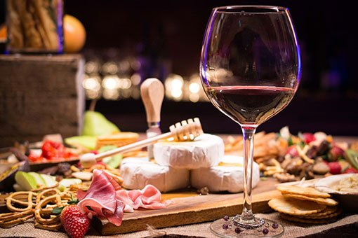 Wine tasting with cheese